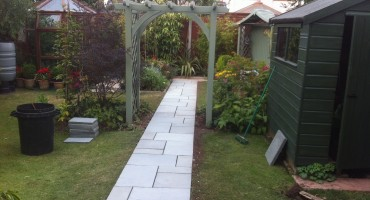 Garden Path – Lakeland Cumbrian slate from Bowland Stone